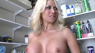 Slamming Racked blonde with pleasure
