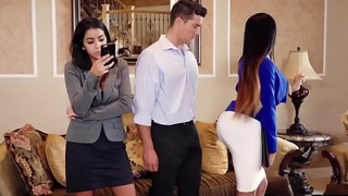 Moriah Mills woks her ass hard to sell a house
