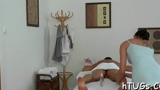 Supplementary curvy chick gives massage than goes super dirty
